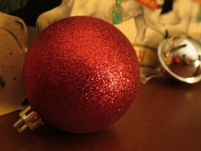 04sparkly ball